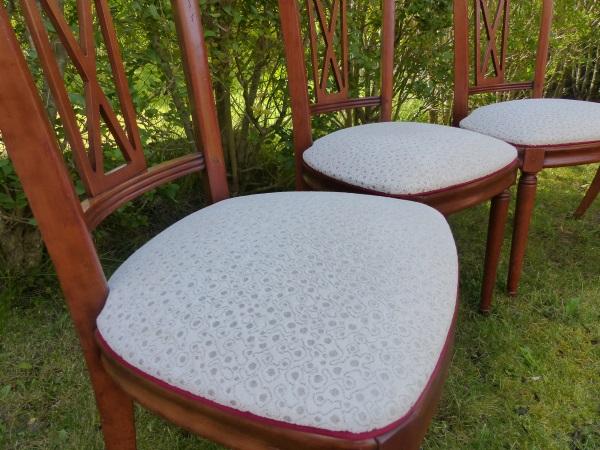 Série de 4 chaises de salles à manger