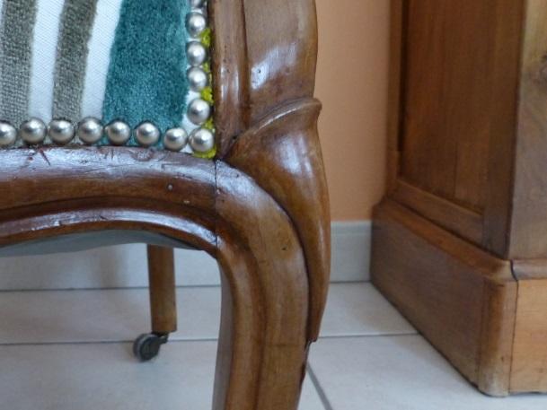 mise en beauté bois pied de fauteuil