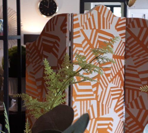 Paravent Art déco face orange ambiance maison quinze