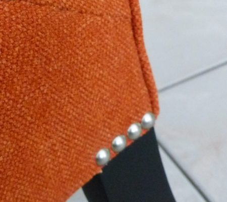 Chauffeuse boutonnée orange Casamance