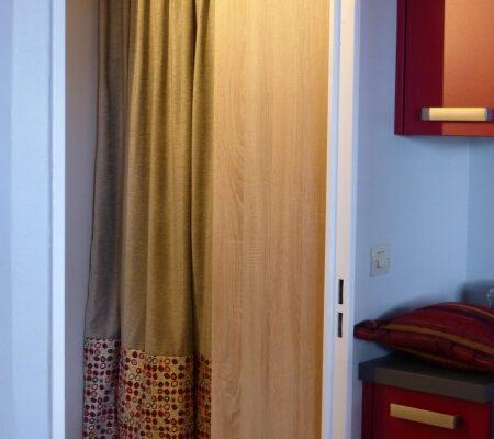 Rideau porte portiere tete tapissier plis plat