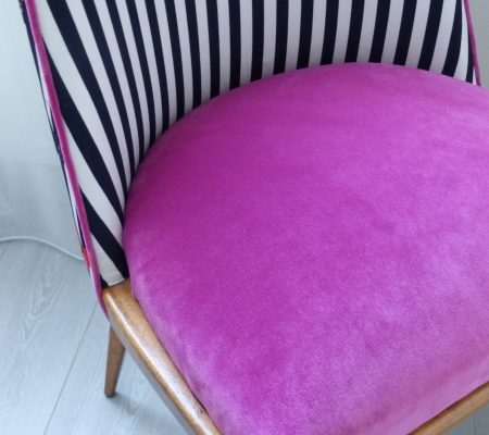 Chaise vintage velours rose rayures blancs noirs baroque